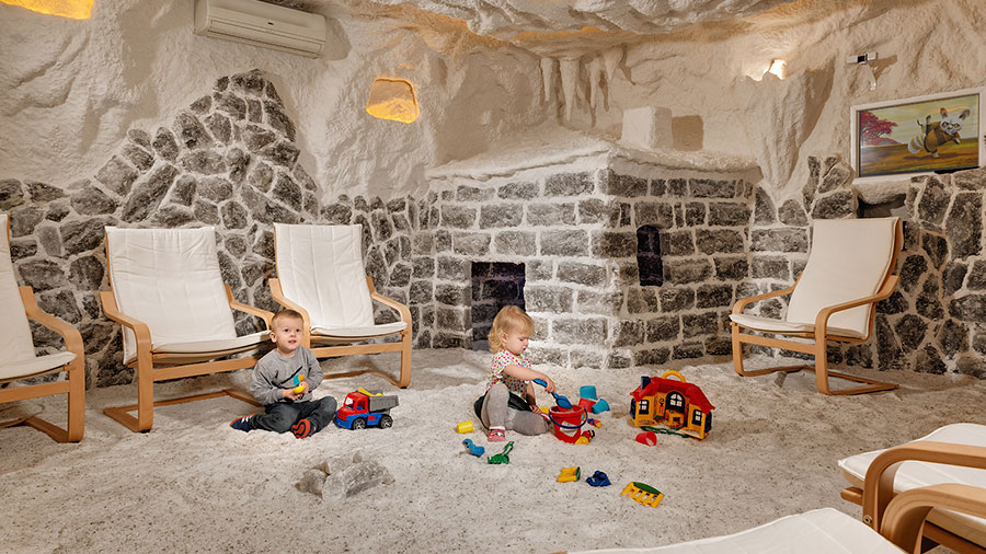 дети в соляной комнате