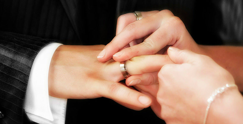 Почему у женщины должен быть штамп в паспорте о браке ИЛИ зачем девушке выходить замуж