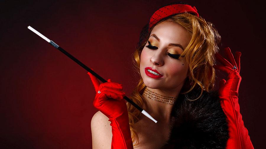 элегантная красивая женщина