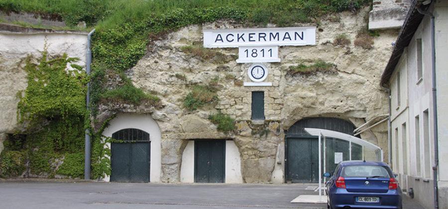 Ликер Куантро, винодельня и шампанское Аккерман. Франция...