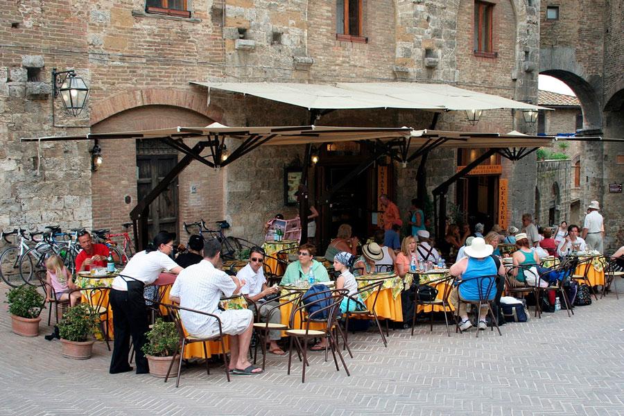 семейный обед кафе италия