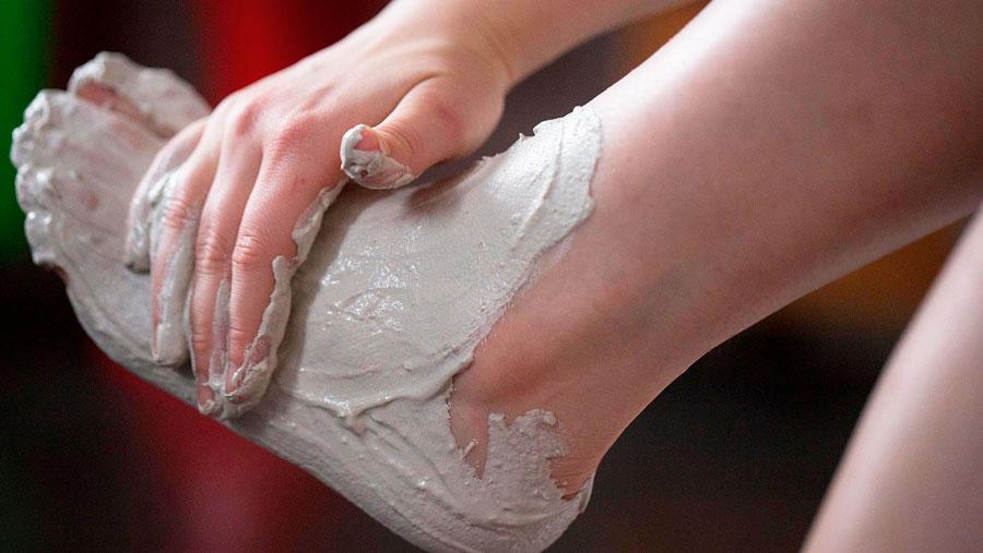 маска из глины для ног