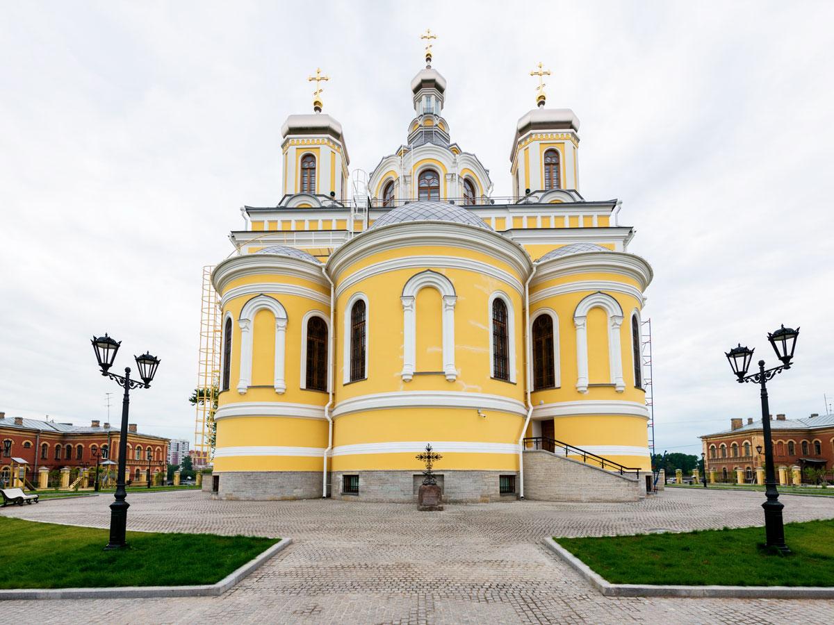 Собор Пресвятой Троицы в Киновии Александро-Невской Лавры