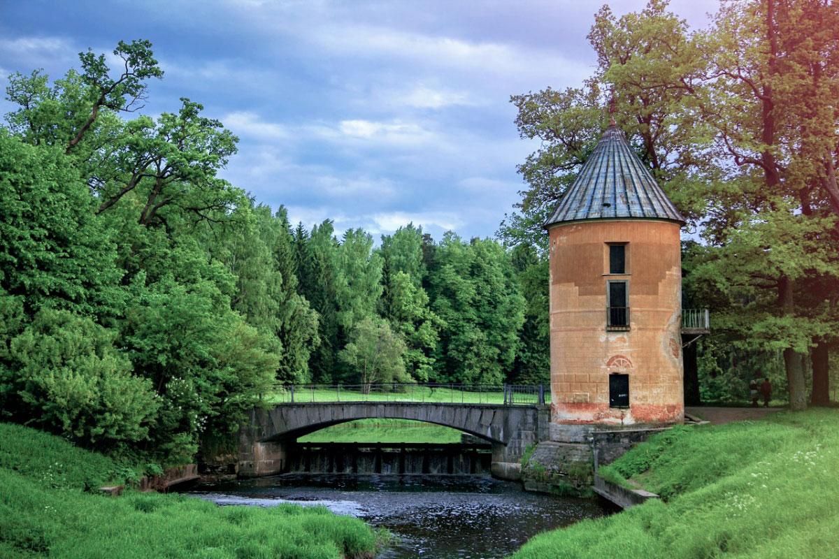 Пиль башня Павловский парк