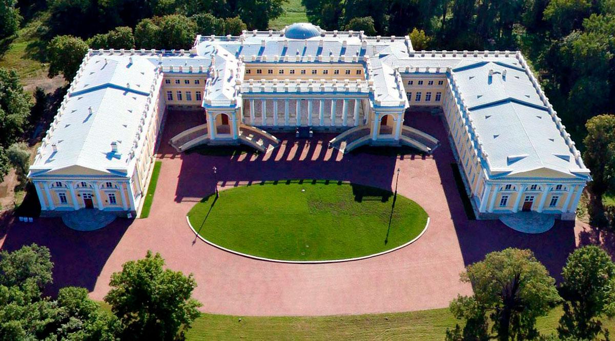 Александровский дворец вид сверху