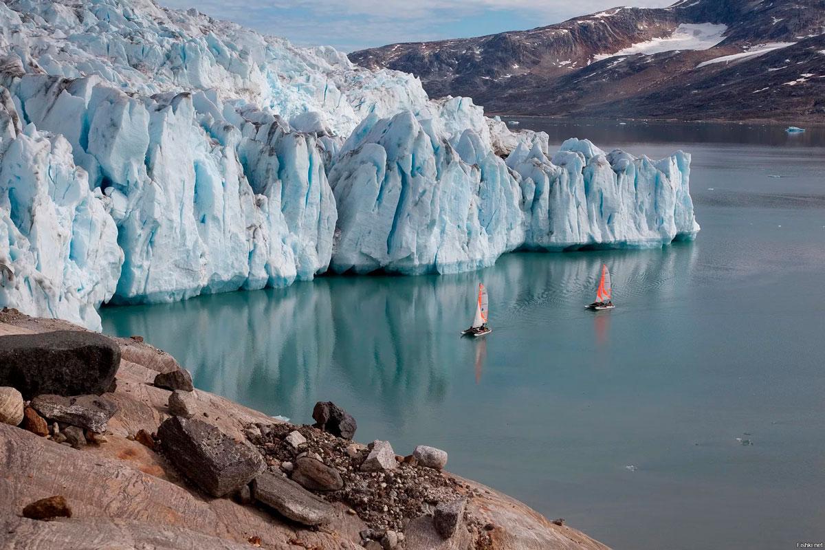 айсберг в Гренландии