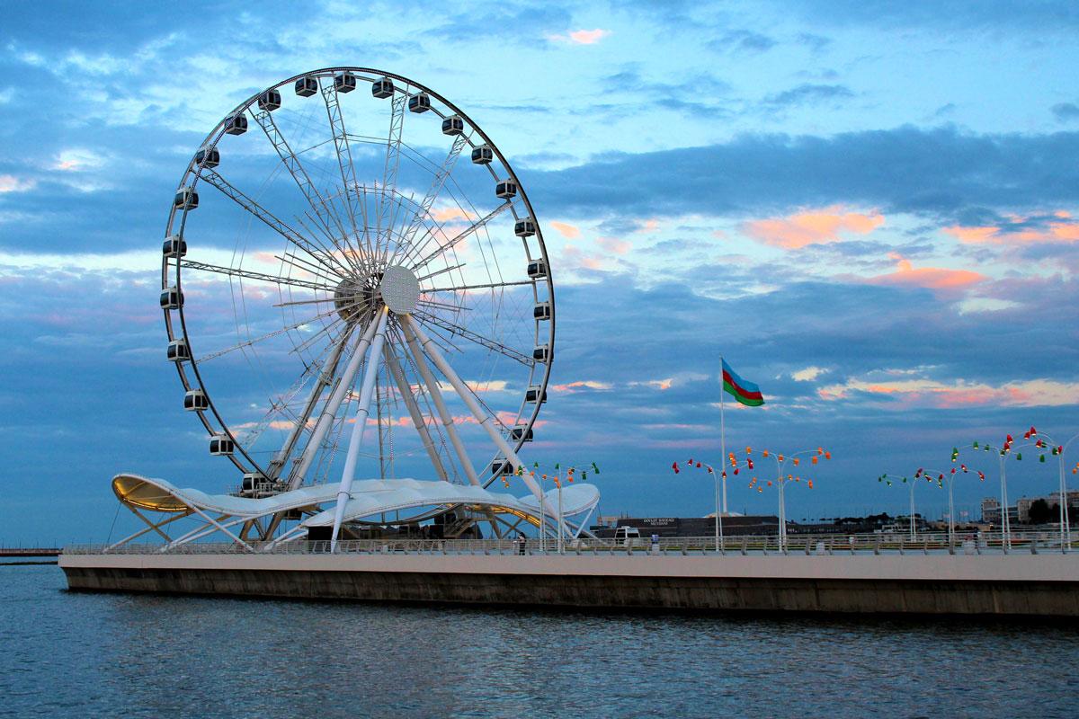 колесо обозрения Баку