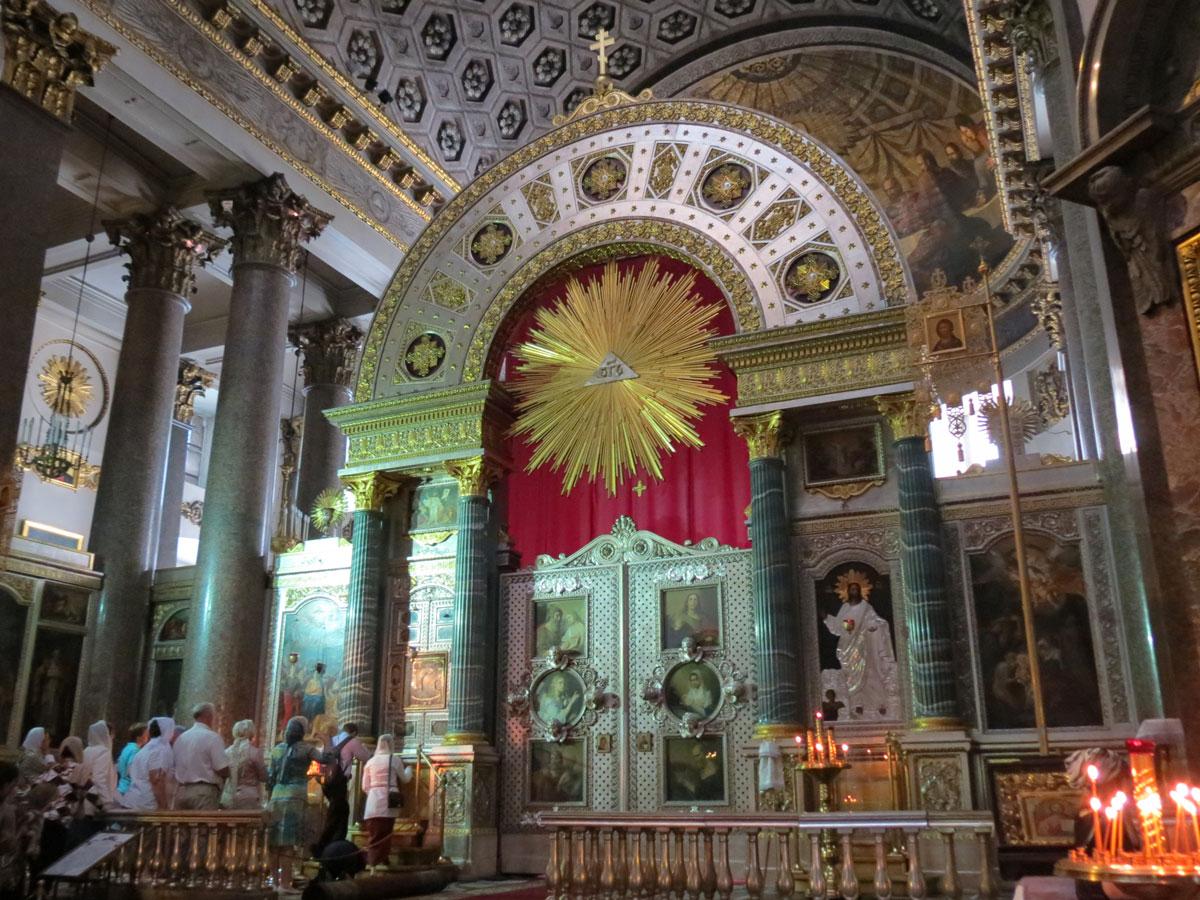 Казанский собор внутри иконостас