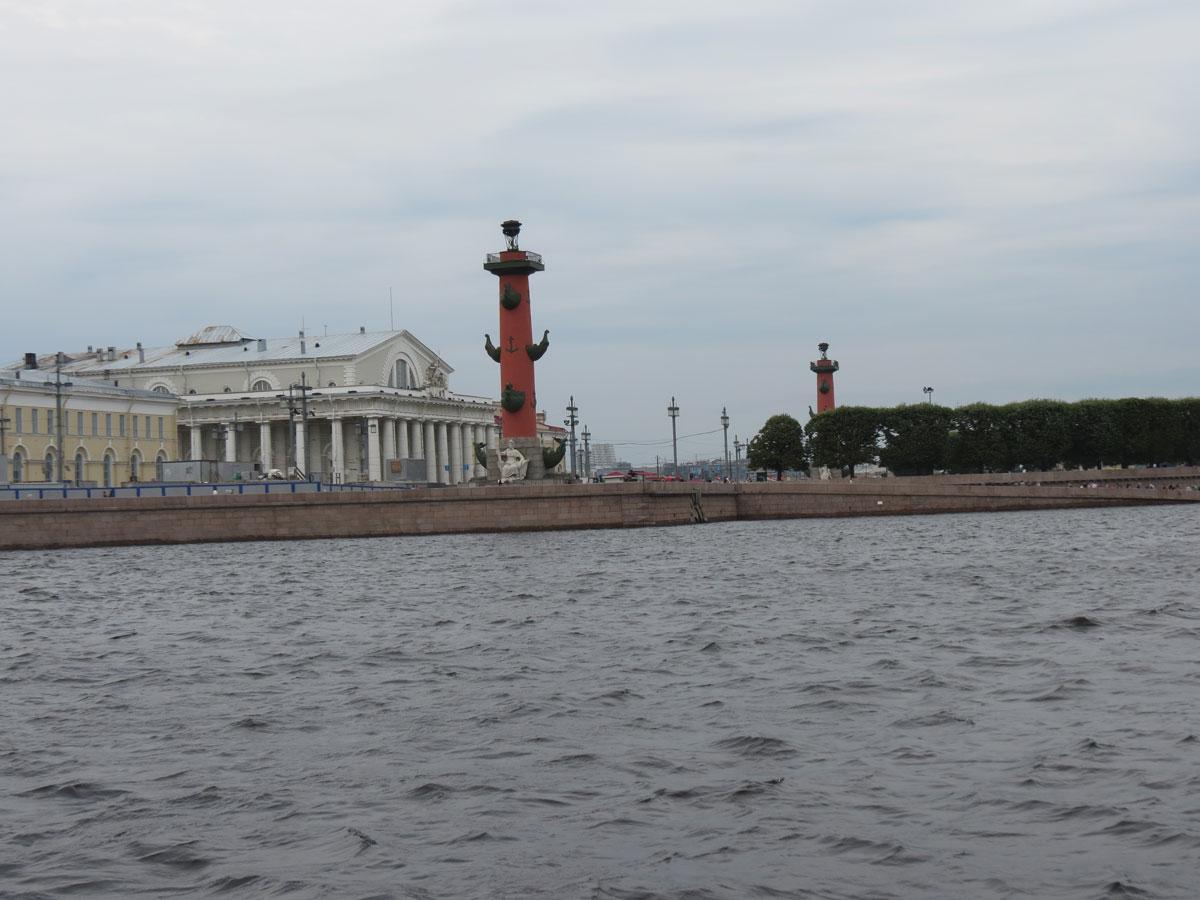 Ростральные колонны на Неве