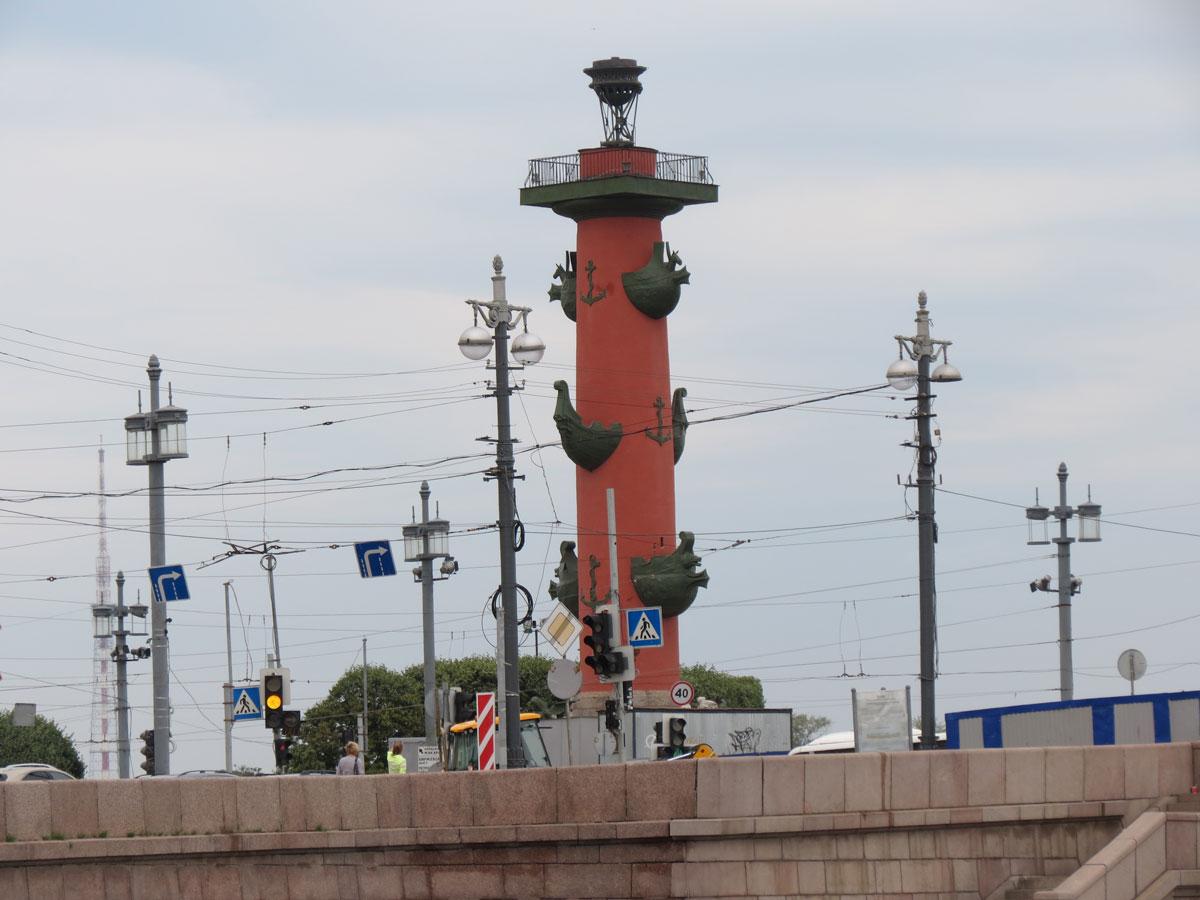 Ростральные колонны Петербург