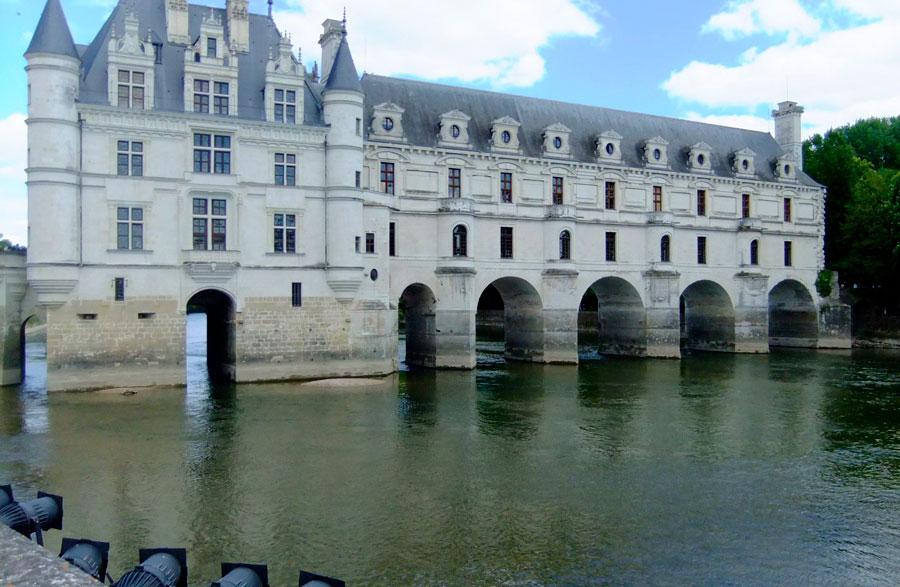 Замок на воде... Шенонсо