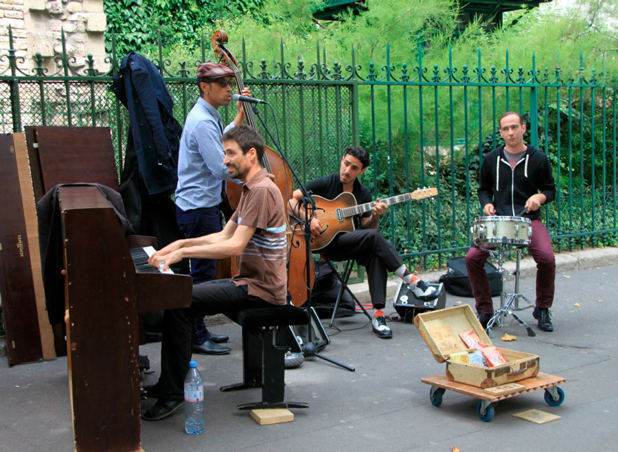 Уличные музыканты, Париж